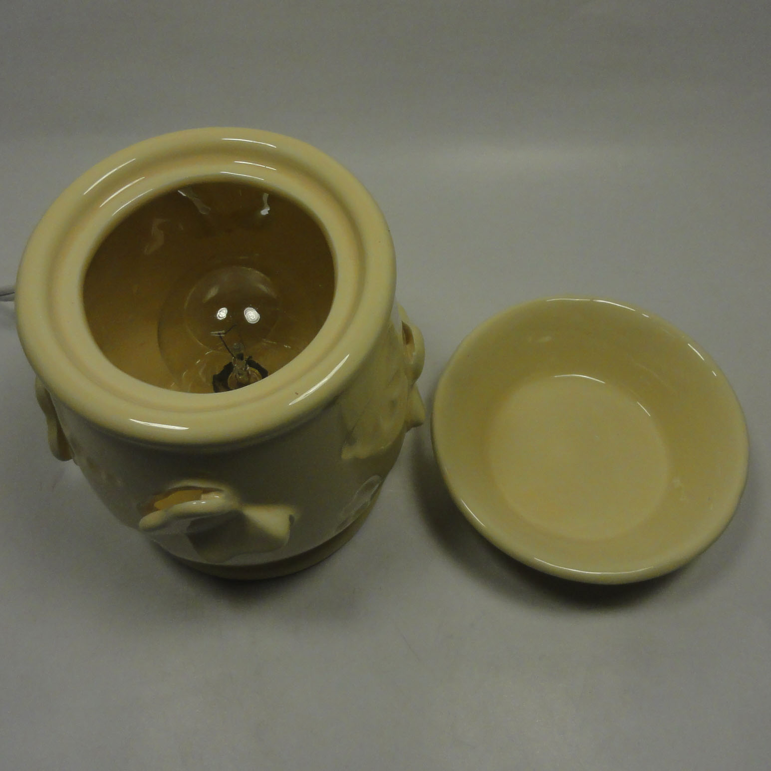 Electric Tart Burners ~ Classic ceramic electric scent oil tart warmer diffuser