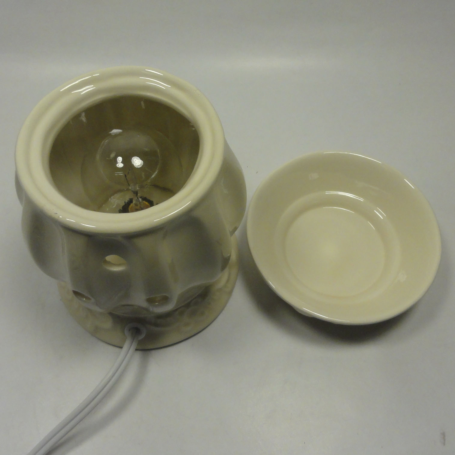 Classic Ceramic Electric Scent Oil Tart Warmer Burner